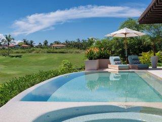 Brand New Luxury Beach Villa Tres Amores