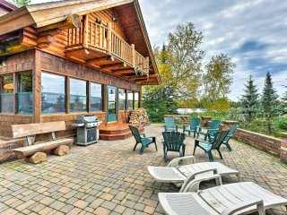 NEW! Amazing Duluth 3+BR Lakefront Lodge w/ Sauna!