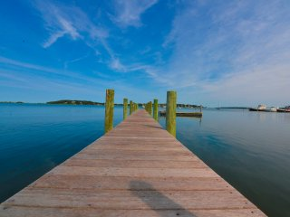 WATERFRONT Estate on Shelter Island. Fully Renovated. 100 Ft DOCK