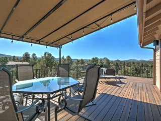 Prescott Home w/2 Viewing Decks, 3 Mi to Downtown!