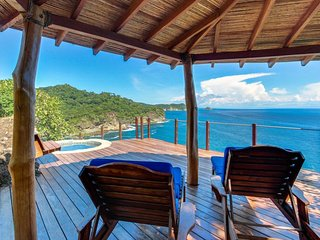 Long-term discounts: Luxury oceanfront villa w/ private plunge pool, near beach