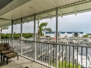 Waterfront Bokeelia Condo Walk to Marina & Pier!