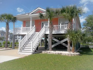 Beautiful 3 BR Beach Cottage 'Just Peachy' in Garden City...short walk to ocean!