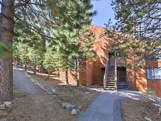 NEW! Charming 2BR Truckee Condo - Ski-In/Ski-Out!