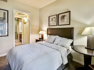 (C33-1) Lux 1BD Villa near Clubhouse w/ all amenities