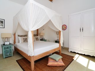 Kuta Holiday Villa 23451