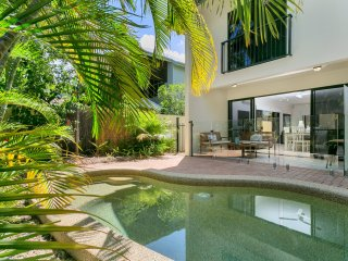 Palm Cove Retreat - Palm Cove, QLD