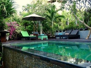Villa Bukit Malas 1 - 3 Bedroom private villa with pool, seaview and breakfast