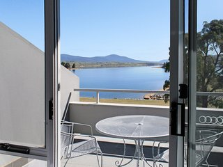 Horizons 201 - Lake Jindabyne Waterfront