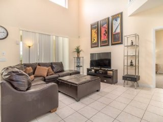 226VD. 7 Bedroom 4.5 Bath Pool Home In DAVENPORT FL.