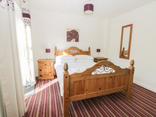 SEAFARERS RETREAT, all ground floor, open plan, pet friendly, in Filey, Ref. 965