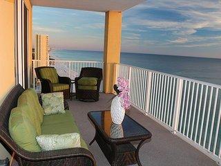 Corner Unit Luxury Condo!! - Beach Front Master Bedroom and Close to Pier Par