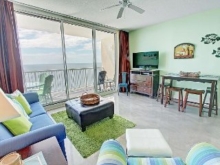 Gorgeously Decorated Oceanfront Condo at  Majestic - 2 BR / 2 BA (Sleeps 6)