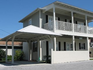 Upscale Beach House - Gulf view Key West style beach house with pool!