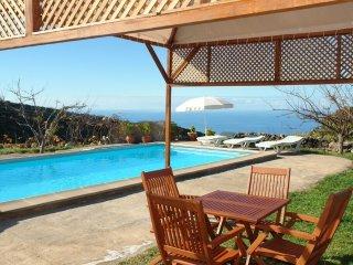 Casa Rural en la Montana con Piscina en Taucho en Tenerife Sur