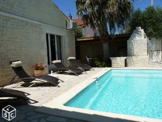 Maison en Camargue, climatisee, piscine, nature, kitesurf, plages sauvages