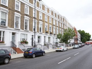 2 bedroom family flat in Chelsea