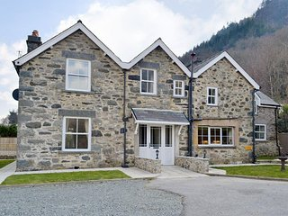 Beautiful House in the heart of Snowdonia Sleeps 8 With Hot Tub