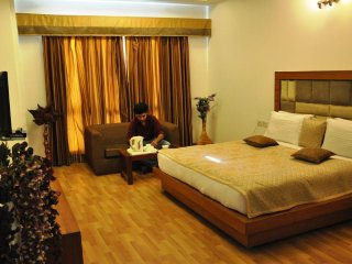 HARIS COURT INNS & HOTEL Room 3