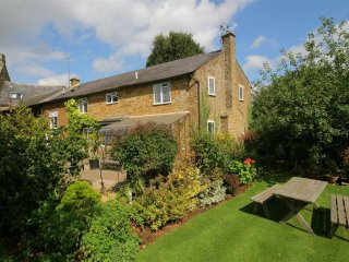 Stone Wheel Cottage, Hook Norton - Swimming Pool