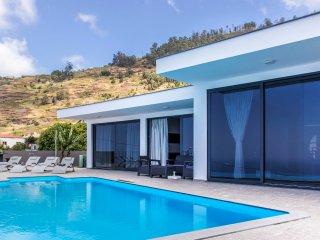 Villa Arco - New!