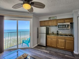 Beachfront Condo Freshly Remodeled Beautiful