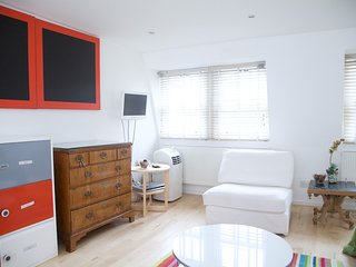 Charming 2 bedroom,2 bathroom mews house in the famous Notting Hill