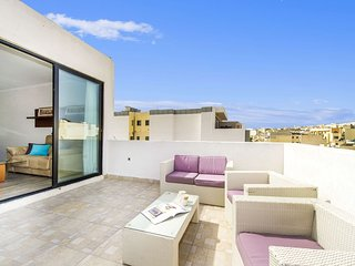 Fantastic Penthouse with big Terrace_Near Sliema
