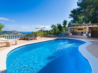 Casa Margarita - self catering in NE Mallorca. Golf  Sea and Mountain Views