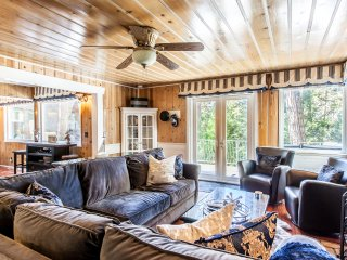 Village Bay Lakefront Cabin