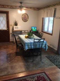 Dining room, computer w/ internet access and WIFI