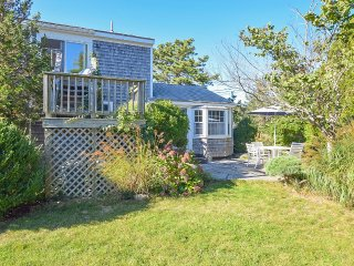 #607: 2min walk to beach! Water Views from 2ndFloor Master. Private garden patio