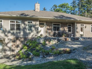 Bear Pond Cottage, Small