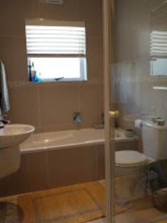 2nd Bathroom, Bath & Shower