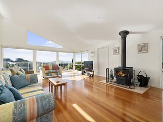 SEAVIEW ON SEAVIEW - EXCEPTIONAL & SPACIOUS WITH SENSATIONAL VIEWS