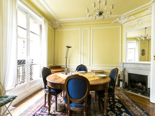 Magnificent 2bdr in the 7th arrondissement