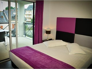 Modern Studio in Heart of La Baule w/ Free WiFi, Flat Screen TV & Resort Pool
