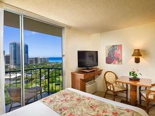 Luana Waikiki Hotel and Suites - Partial Ocean View Hotel Room