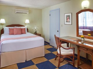 Aqua Ewa Hotel Waikiki - One Bedroom Suite with Kitchenette- AHR