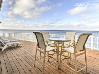 Spacious Englewood House w/Deck - On The Beach!