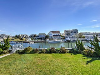 NEW! Waterfront 4BR Brigantine House w/ Deck!