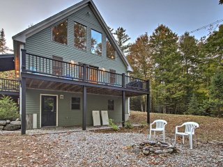 NEW! 3BR Bethel Mountain Home w/ Deck & Fire Pit!