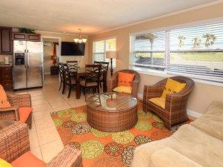 Luxury Oceanfront Home - 4BR/2BA - #NorthVilla