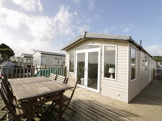 A4 PEN Y BERTH, open plan, decked area, three bedrooms, near Pwllheli, Ref