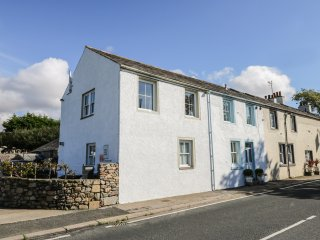1 PARK NOOK, countryside and sea views, near Waberthwaite, Ref 977538
