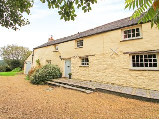 MEADOWSIDE, character cottage, woodburner, beams, garden, in Wadebridge, Ref