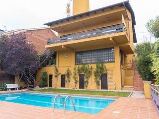 Villa Bellamar, Casa con piscina y vista al mar y montaña, Lic. HUTB008317