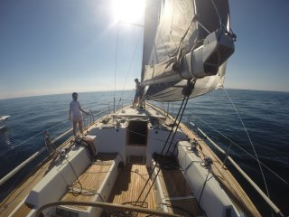 Vacaciones familiares en exclusivo velero de 14 metros con patron