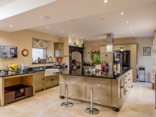 Boutique Luxury Self-catering Family Home in Devon - sleeps 12