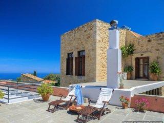 Maroulas Getaway Large villa in Crete to let, holiday rental Crete, Crete villa